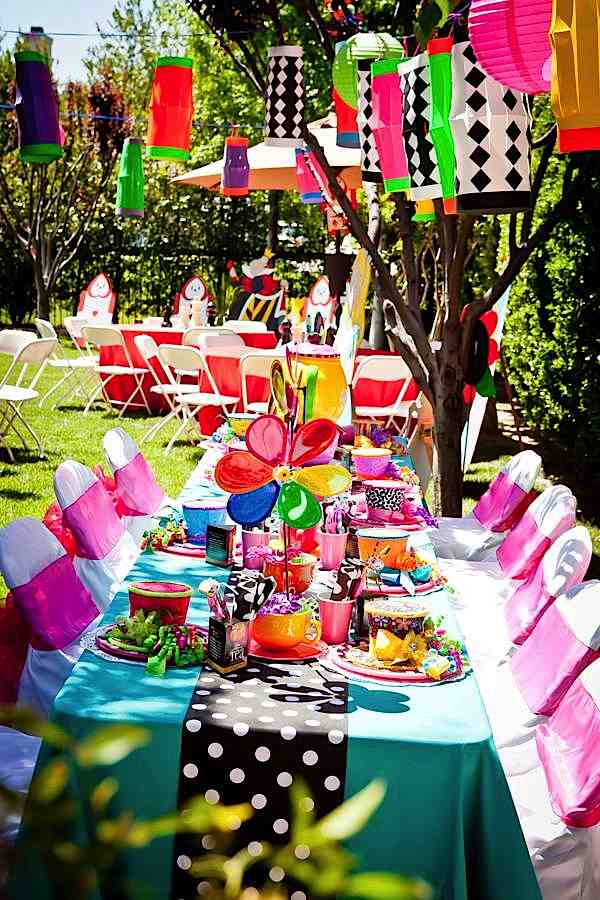 Kara 39 s party ideas mad hatter tea party kara 39 s party ideas for Mad hatter party props