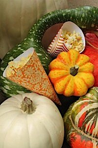 ABlissfulNest-HalloweenPartyPrintableDecorations002_600x900
