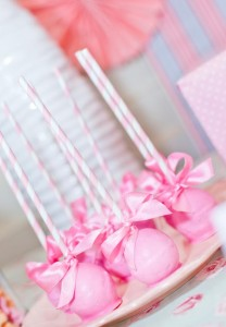 Shabby-Chic-Tea-Party-cake-pops_600x865
