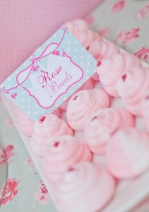 Shabby-Chic-Tea-Party-treats_600x853