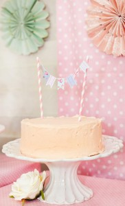 Shabby-Chic-Tea-Party_cake-bunting_575x945