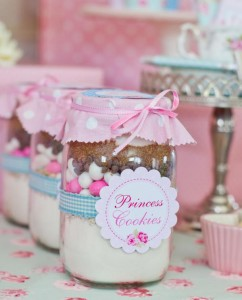 Shabby-Chic-Tea-Party_princess-cookie-jars_600x743