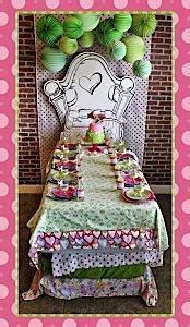 SnowyBliss-Bed-Table-blog_600x1034