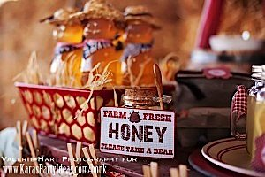 farm-honey bear sign