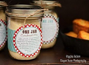 Cornbread Mix in Mason Jars_600x441
