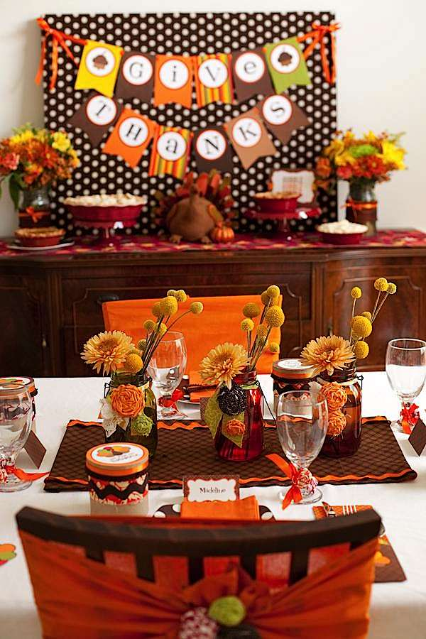 Kara 39 s party ideas modern kid friendly rustic fall for Modern fall table decorations