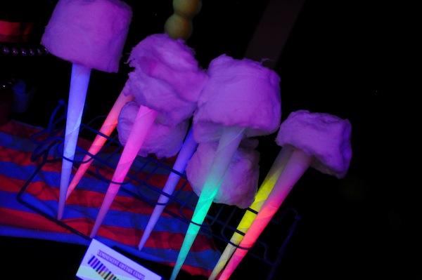 kara 39 s party ideas neon glow in the dark party 412 kara. Black Bedroom Furniture Sets. Home Design Ideas