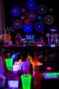 Neon Glow in the Dark Party-435