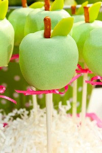 Apple of my eye themed birthday party via Kara's Party Ideas karaspartyideas.com #girl #party #idea #apple #pink #birthday-31
