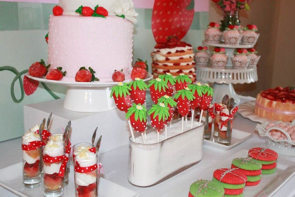 Kara 39 s party ideas strawberry shortcake birthday party via kara 39 s party ideas karaspartyideas - Strawberry themed kitchen decor ...