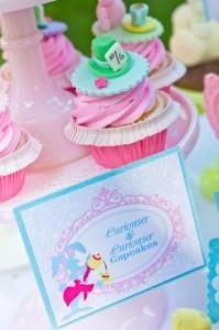 curiouser-cupcakes-2_600x901
