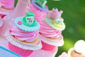 curiouser-cupcakes-7_600x400
