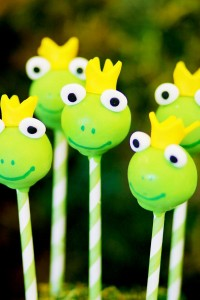 Frog Prince Baby Shower via Kara's Party Ideas karaspartyideas.com #frog #prince #baby #shower #idea #birthday #party #ideas #cake #decorations #supplies (36)