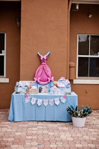 Cinderella Princess themed birthday party via Kara's Party Ideas karaspartyideas.com #cinderella #princess #themed #party #disney #idea #cake #decor #ideas #shop #supplies (119)