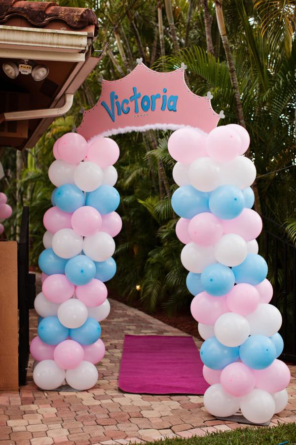 Kara 39 s party ideas disney princess cinderella girl 1st for Balloon decoration ideas for 1st birthday party