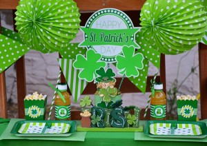 St Patrick's Day Party FREE PRINTABLES via Kara's Party Ideas karaspartyideas.com #free #printables #tags #st #patrick's #day #party #ideas #gifts #shop (11)