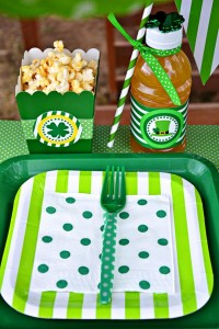 St Patrick's Day Party FREE PRINTABLES via Kara's Party Ideas karaspartyideas.com #free #printables #tags #st #patrick's #day #party #ideas #gifts #shop (9)