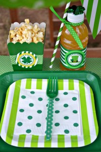 St Patrick's Day Party FREE PRINTABLES via Kara's Party Ideas karaspartyideas.com #free #printables #tags #st #patrick's #day #party #ideas #gifts #shop (8)