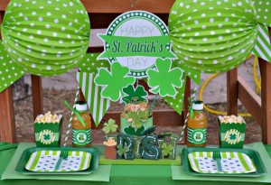 St Patrick's Day Party FREE PRINTABLES via Kara's Party Ideas karaspartyideas.com #free #printables #tags #st #patrick's #day #party #ideas #gifts #shop (5)