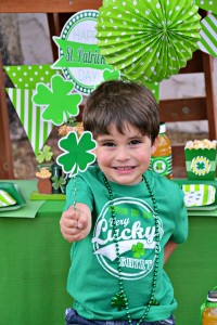 St Patrick's Day Party FREE PRINTABLES via Kara's Party Ideas karaspartyideas.com #free #printables #tags #st #patrick's #day #party #ideas #gifts #shop (4)