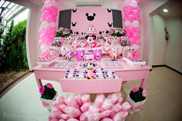 Kara 39 s party ideas disney minnie mouse girl pink themed for Baby minnie mouse party decoration