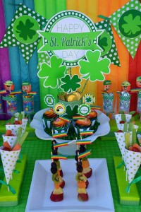 St Patrick's Day Party FREE PRINTABLES via Kara's Party Ideas karaspartyideas.com #free #printables #tags #st #patrick's #day #party #ideas #gifts #shop (49)