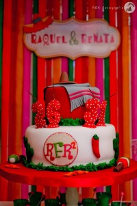 Mexican Fiesta Party via Kara's Party IDeas karaspartyideas.com #mexican #fiesta #party #spanish #latin #dancing #cupcakes #margarita #ideas #idea #cake #cinco #de #mayo (29)
