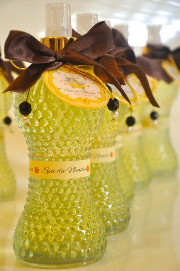 Spa Themed Birthday Party via Kara's Party Ideas karaspartyideas.com #spa #girly #girl #themed #girls #night #out #birthday #party #idea (8)