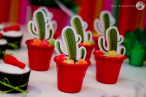 Mexican Fiesta Party via Kara's Party IDeas karaspartyideas.com #mexican #fiesta #party #spanish #latin #dancing #cupcakes #margarita #ideas #idea #cake #cinco #de #mayo (17)