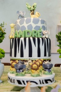 Safari Jungle themed birthday party via Kara's Party Ideas #jungle #safari #birthday #party #ideas #cake #idea #baby #shower #1st #decorations #supplies (37)