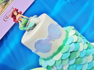 Little Mermaid Under the Sea themed birthday party via Kara's Party Ideas karaspartyideas.com #ariel #mermaid #themed #birthday #party #ideas #cake #decor #supplies (44)