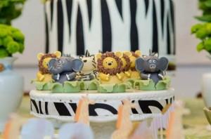 Safari Jungle themed birthday party via Kara's Party Ideas #jungle #safari #birthday #party #ideas #cake #idea #baby #shower #1st #decorations #supplies (52)