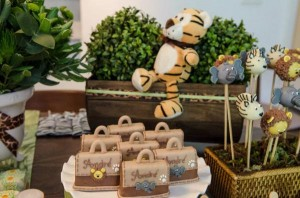 Safari Jungle themed birthday party via Kara's Party Ideas #jungle #safari #birthday #party #ideas #cake #idea #baby #shower #1st #decorations #supplies (36)