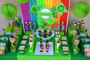 St Patrick's Day Party FREE PRINTABLES via Kara's Party Ideas karaspartyideas.com #free #printables #tags #st #patrick's #day #party #ideas #gifts #shop (41)