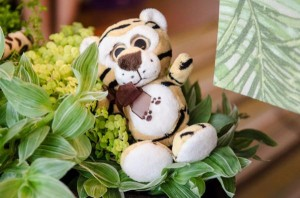 Safari Jungle themed birthday party via Kara's Party Ideas #jungle #safari #birthday #party #ideas #cake #idea #baby #shower #1st #decorations #supplies (25)