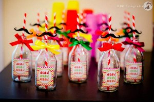 Mexican Fiesta Party via Kara's Party IDeas karaspartyideas.com #mexican #fiesta #party #spanish #latin #dancing #cupcakes #margarita #ideas #idea #cake #cinco #de #mayo (11)