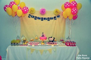 Girly monkey themed birthday party via Kara's Party Ideas karaspartyideas.com #girly #monkey #themed #party #ideas #idea #birthday (6)