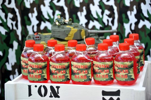 Kara 39 s party ideas army themed birthday party for Army theme party decoration ideas