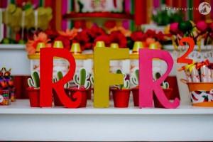 Mexican Fiesta Party via Kara's Party IDeas karaspartyideas.com #mexican #fiesta #party #spanish #latin #dancing #cupcakes #margarita #ideas #idea #cake #cinco #de #mayo (6)