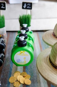 Safari Jungle themed birthday party via Kara's Party Ideas #jungle #safari #birthday #party #ideas #cake #idea #baby #shower #1st #decorations #supplies (16)