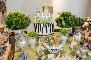 Safari Jungle themed birthday party via Kara's Party Ideas #jungle #safari #birthday #party #ideas #cake #idea #baby #shower #1st #decorations #supplies (14)