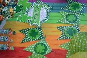 St Patrick's Day Party FREE PRINTABLES via Kara's Party Ideas karaspartyideas.com #free #printables #tags #st #patrick's #day #party #ideas #gifts #shop (33)