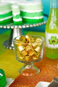 St Patrick's Day Rainbow Luck O The Irish Themed Party via Kara's Party Ideas karaspartyideas.com #st #patrick's #day #party #irish #ideas #supplies #decorations #cake #dessert #treats #kids (38)