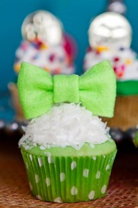 St Patrick's Day Rainbow Luck O The Irish Themed Party via Kara's Party Ideas karaspartyideas.com #st #patrick's #day #party #irish #ideas #supplies #decorations #cake #dessert #treats #kids (30)