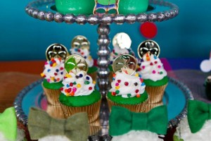 St Patrick's Day Rainbow Luck O The Irish Themed Party via Kara's Party Ideas karaspartyideas.com #st #patrick's #day #party #irish #ideas #supplies #decorations #cake #dessert #treats #kids (29)