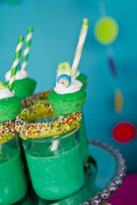 St Patrick's Day Rainbow Luck O The Irish Themed Party via Kara's Party Ideas karaspartyideas.com #st #patrick's #day #party #irish #ideas #supplies #decorations #cake #dessert #treats #kids (27)