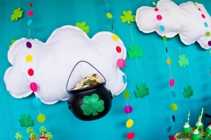St Patrick's Day Rainbow Luck O The Irish Themed Party via Kara's Party Ideas karaspartyideas.com #st #patrick's #day #party #irish #ideas #supplies #decorations #cake #dessert #treats #kids (15)