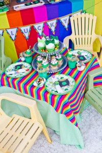 St Patrick's Day Rainbow Luck O The Irish Themed Party via Kara's Party Ideas karaspartyideas.com #st #patrick's #day #party #irish #ideas #supplies #decorations #cake #dessert #treats #kids (13)