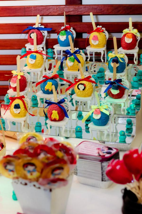 Snow White Birthday Party via Kara's Party Ideas | KarasPartyIdeas.com #snow #white #disney #princess #party #ideas (41)