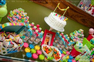 KATY PERRY Candy Land + Sweet Shoppe themed birthday party via Kara's Party Ideas | KarasPartyIdesa.com #katy #perry #candy #land #shoppe #sweet #party #ideas #birthday #cake #decorations #supplies #ideas #cupcakes #favor #idea (62)